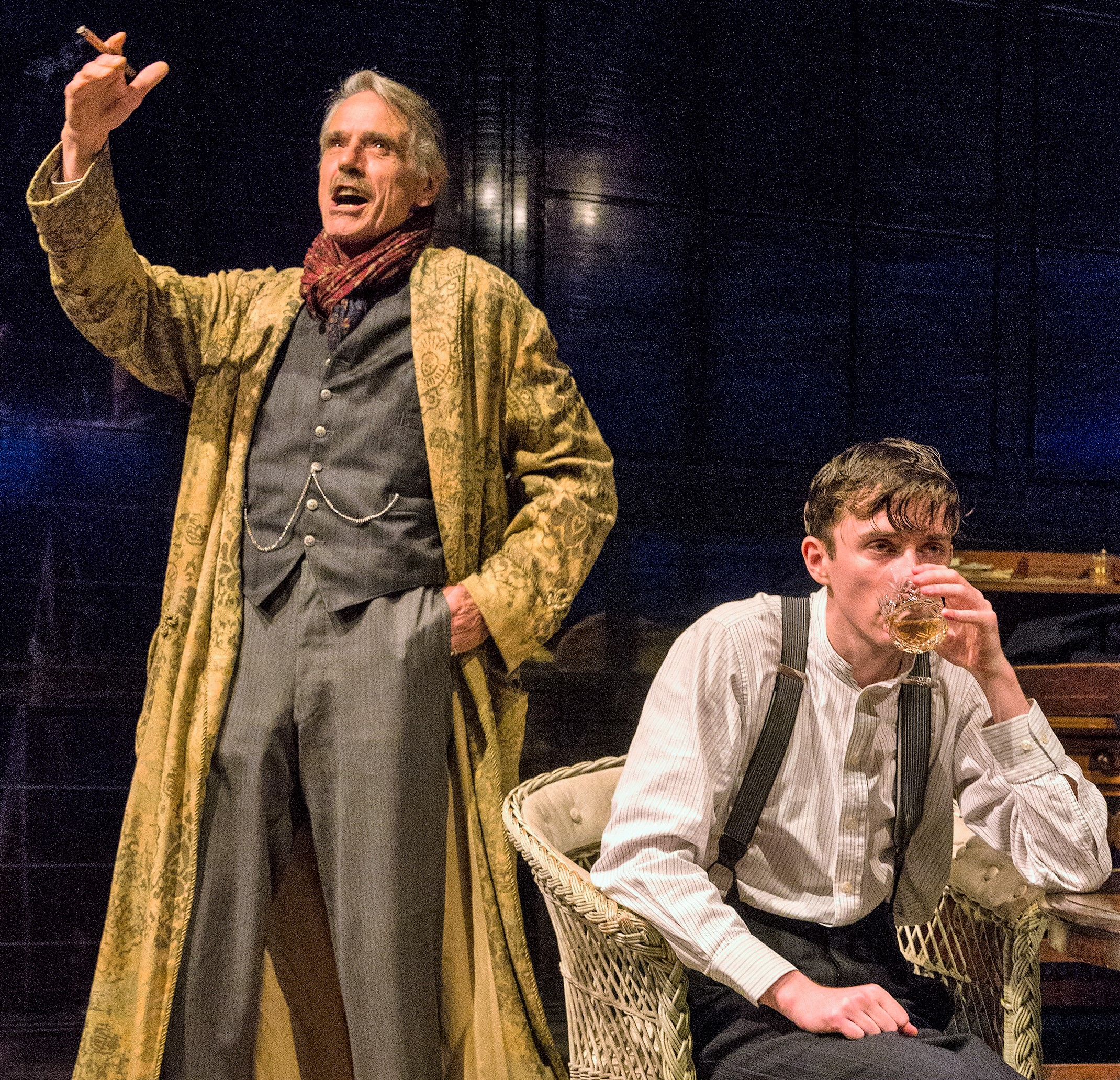 James Tyrone (Irons) talks about his theatrical career to younger son Edmund (Beard).