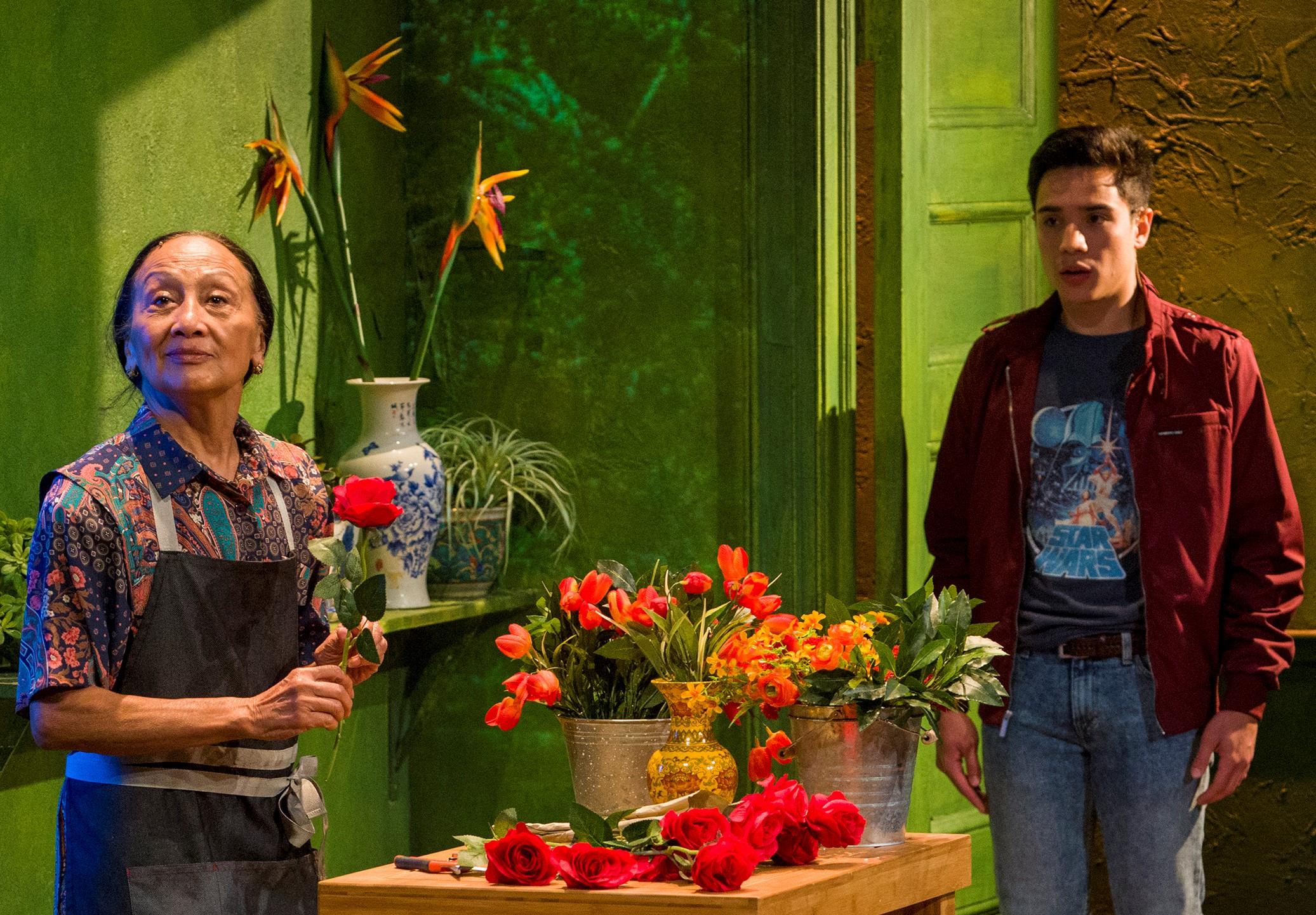 Flora (Ching Valdes-Aran) drives a hard bargain with Junior (Tambunting).