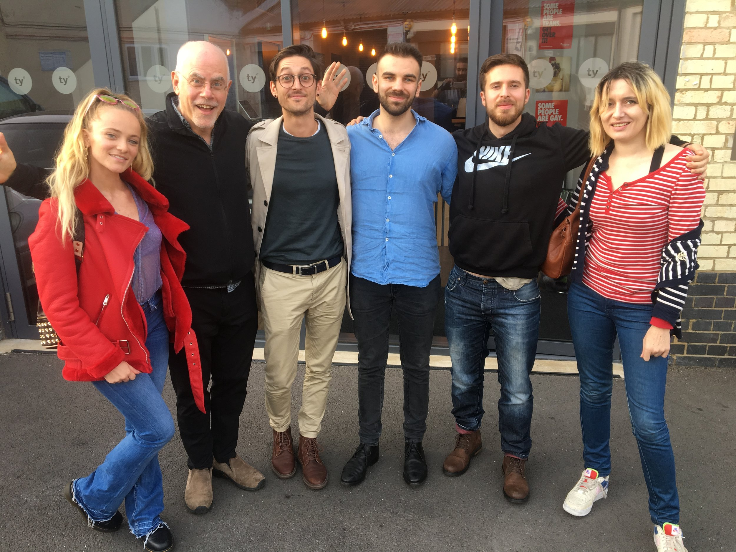 Great London songwriting workshop led by Wayne, with participants Katharina, Melanie, Leo, Alessandro and Crawford.