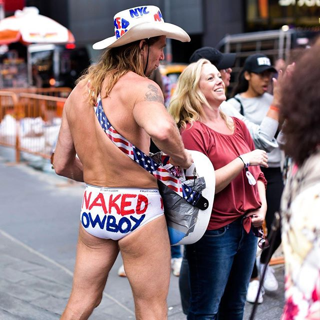 After almost 6 years living in NYC... I FUCKING FOUND HIM. #nakedcowboy