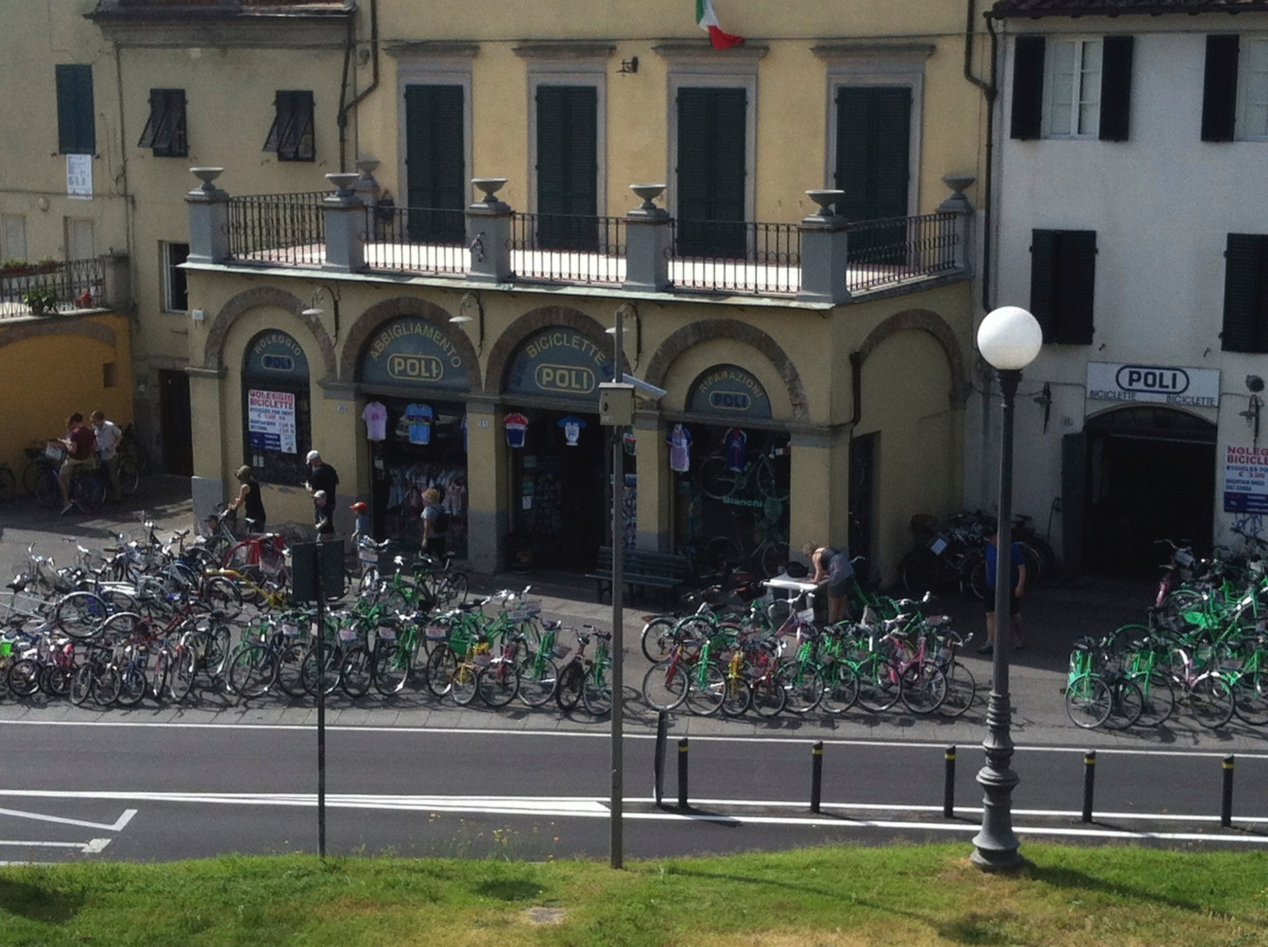 Bicilette Poli, located in Piazza San Pietro, rents bicycles for touring the city and sightseeing along the top of the wall.
