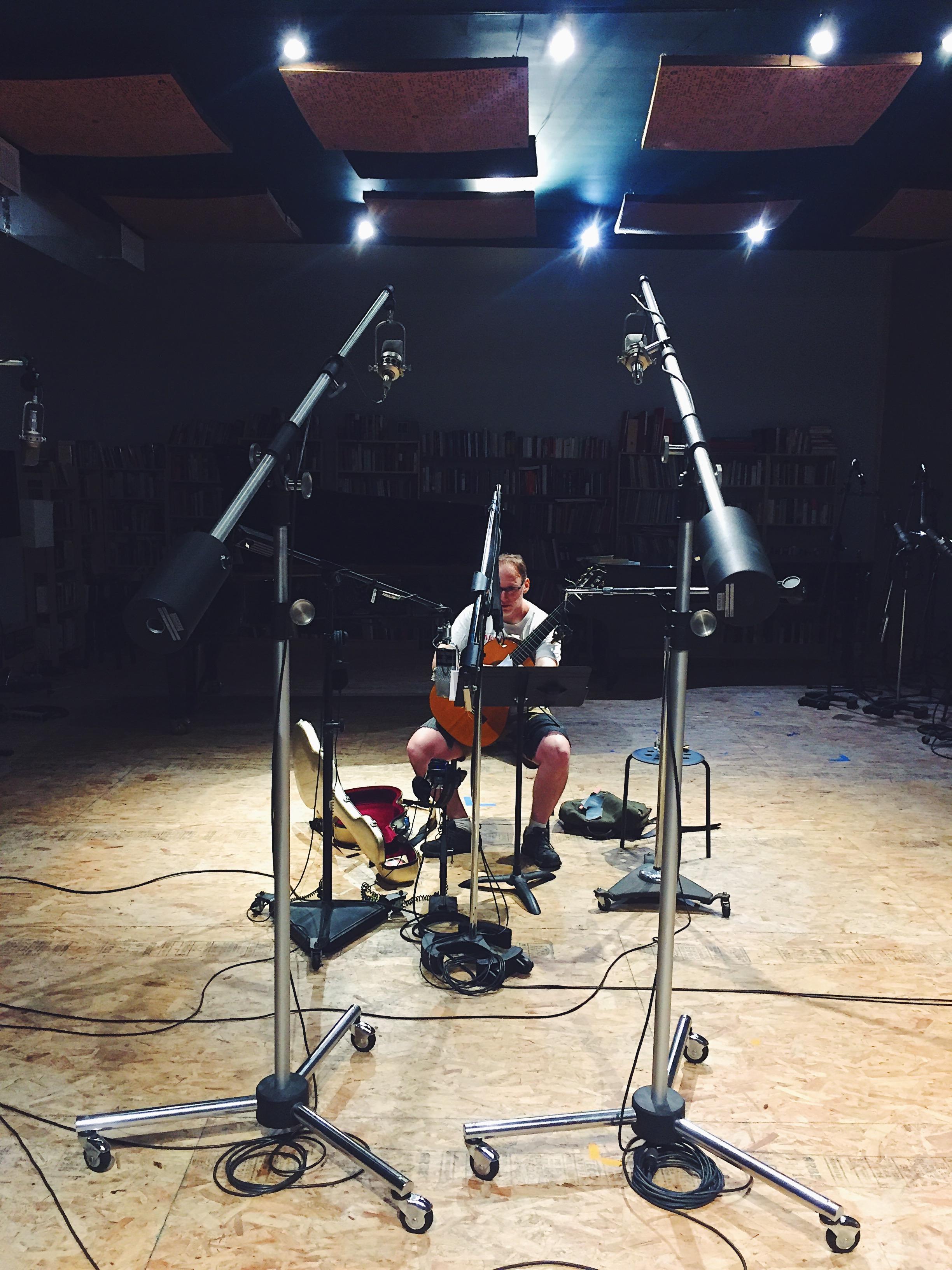 Dan Lippel recording Point Cloud at Oktaven.