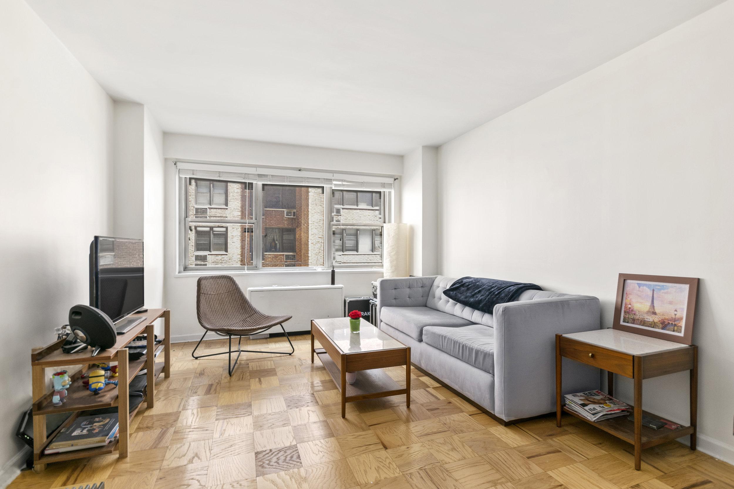 211 East 53rd Street | 3A  $675,000 | 1 Bed | 1 Bath