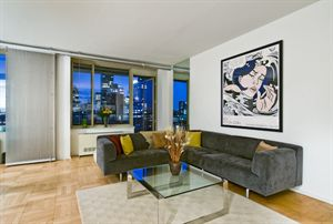Sold   308 East 72nd Street | $1,794,000