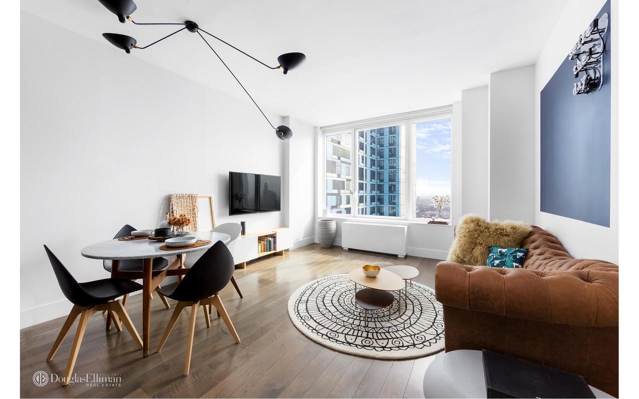 Sold   388 Bridge Street | 38F | $877,000