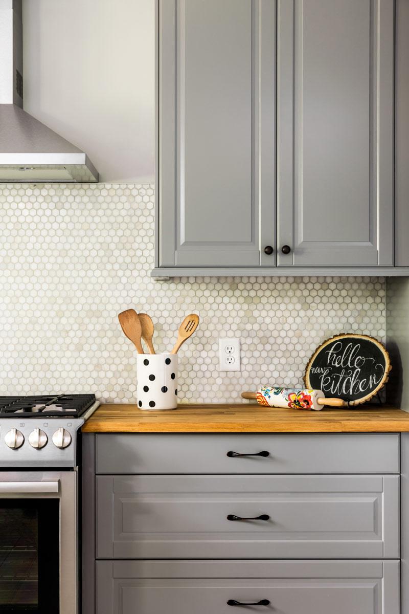 Modern Kitchen Grey Cabinets