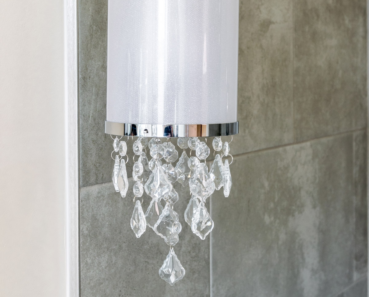 Beautiful Elegant Chandelier Light