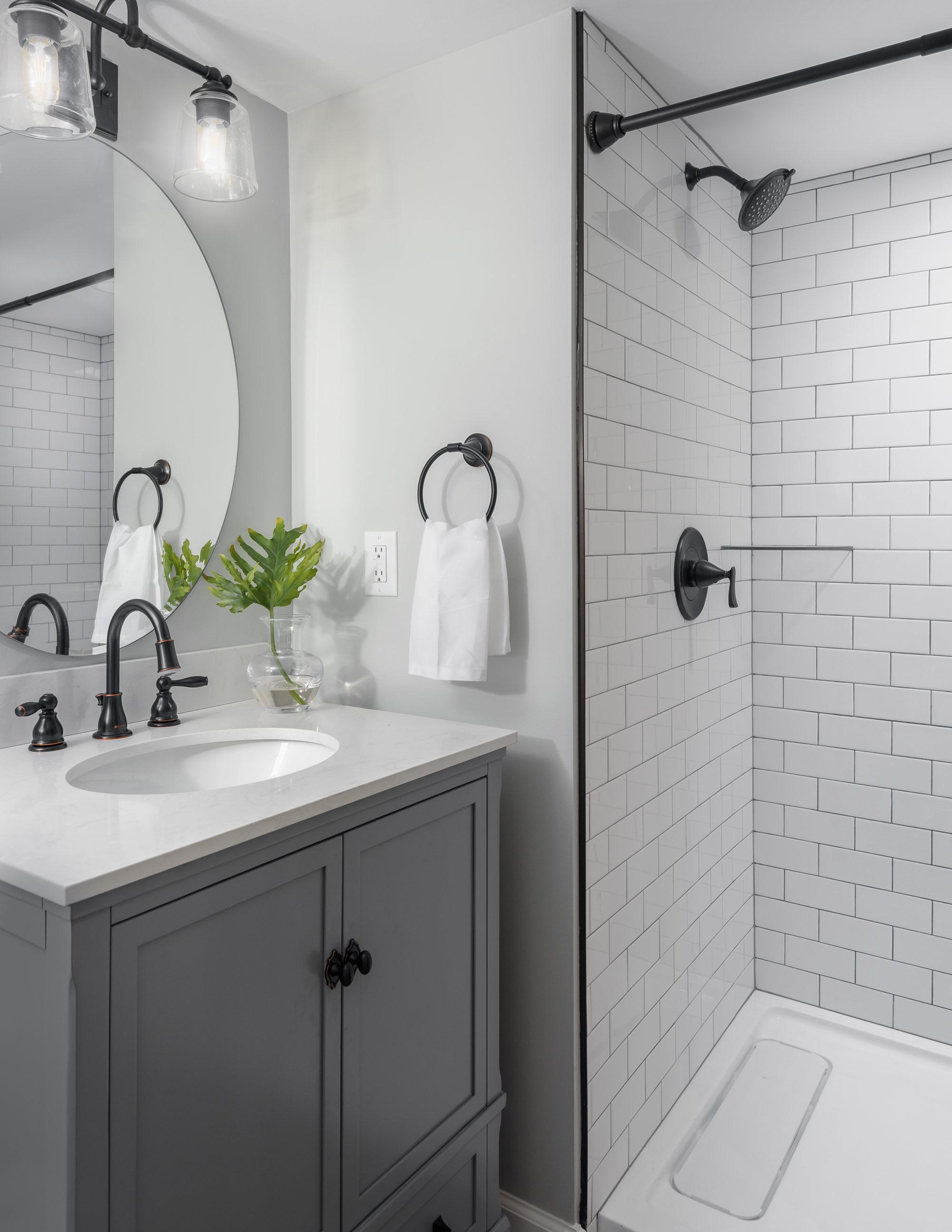 Chattanoogoa-bathroom.jpg