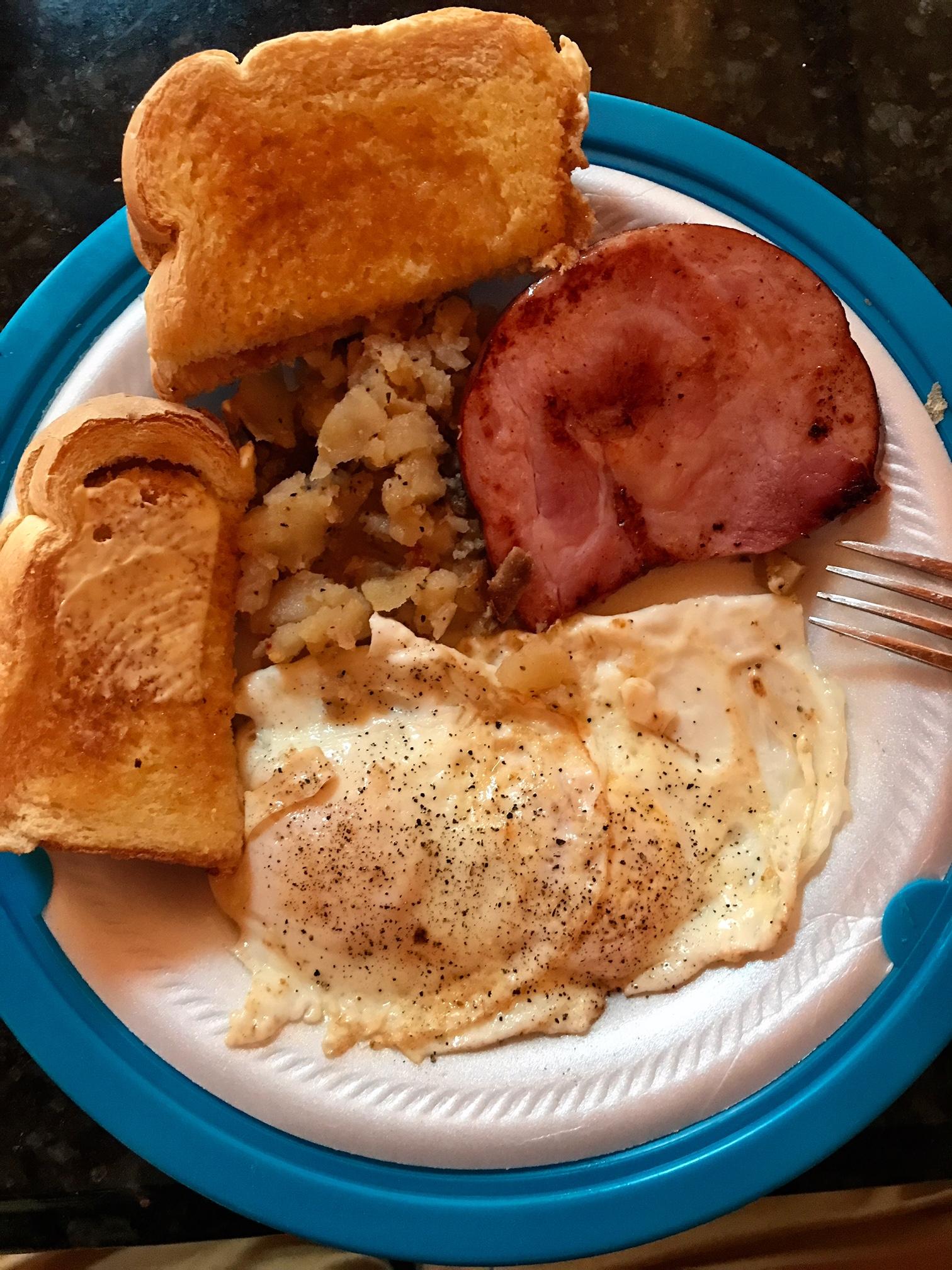 Breakfast at Sacajawea Inn