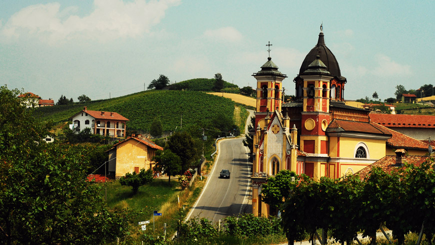 The quiet town of Dogliani has vineyards planted exclusively with one grape variety, and it is our subject of today's Fun To Say, Fun To Drink segment. Image credit:  Langhe.net