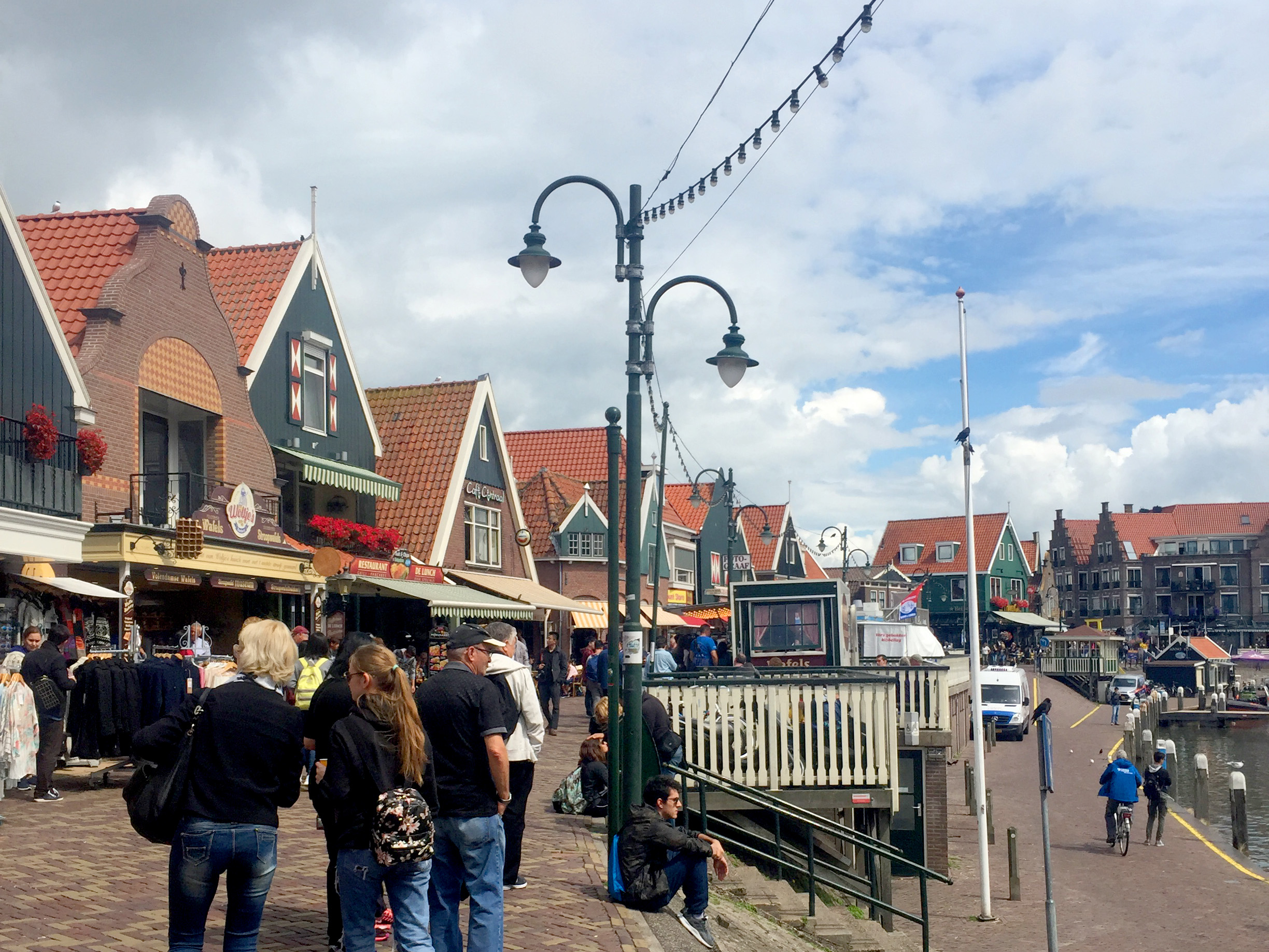Next we stopped at Volendam - a small fishing village.