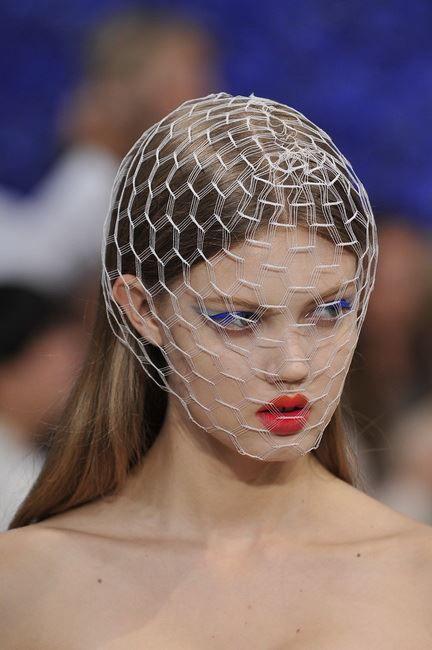 Stephen Jones veil for Raf Simons'Christian Dior S/S 2012 collection.