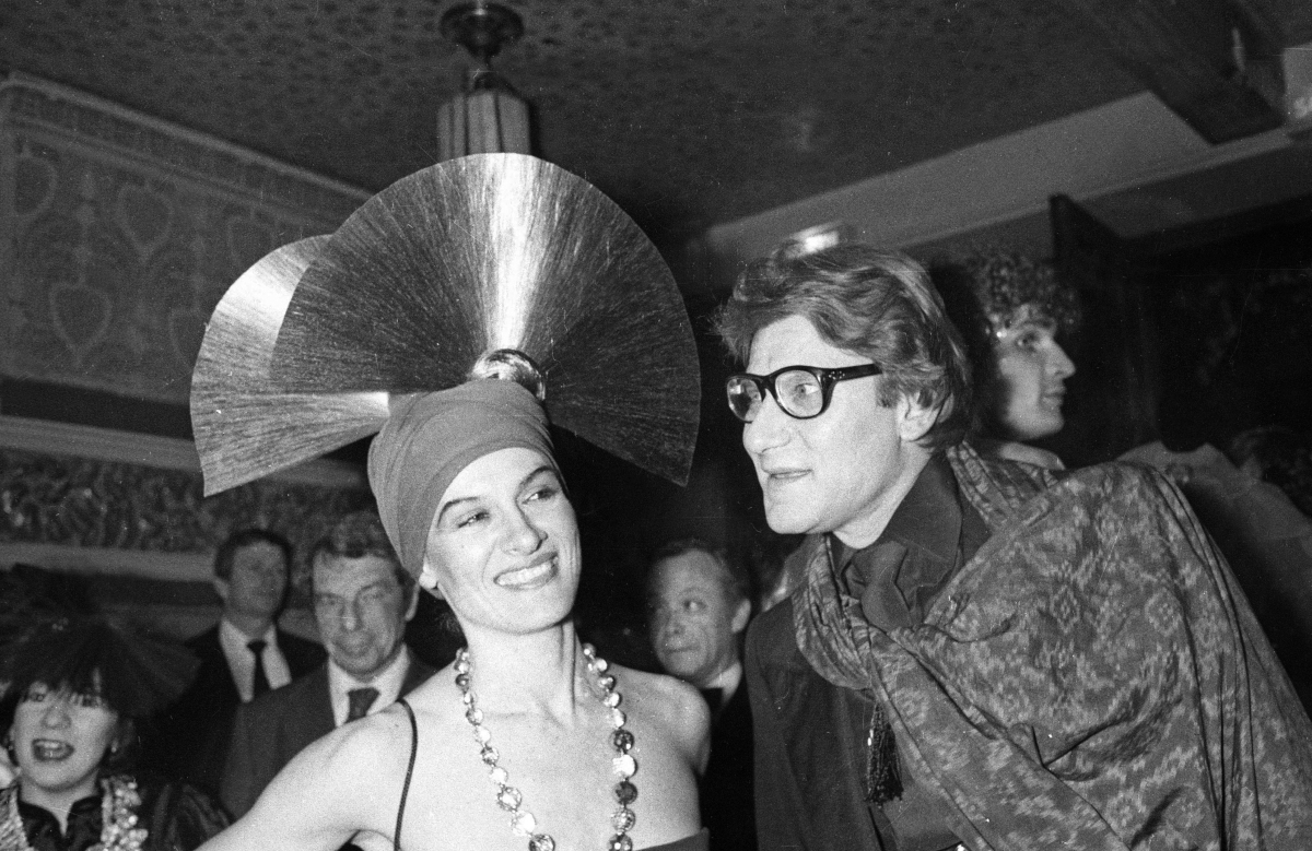 Paloma Picasso with Yves Saint Laurent at Le Palace