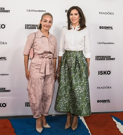 Crown Princess Mary of Denmark wearing H&M Conscious skirt, at the 2018 Summit