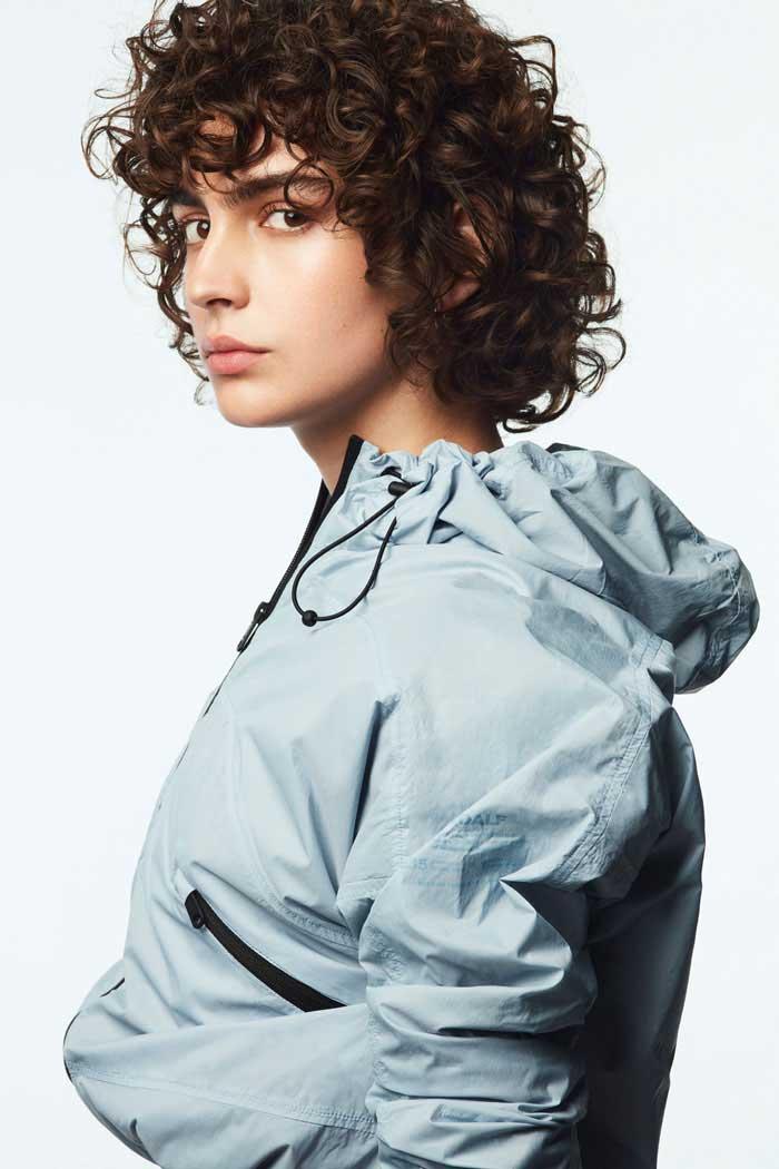 chaqueta_azul_corta_ecoalf_recycled_fabrics.jpg