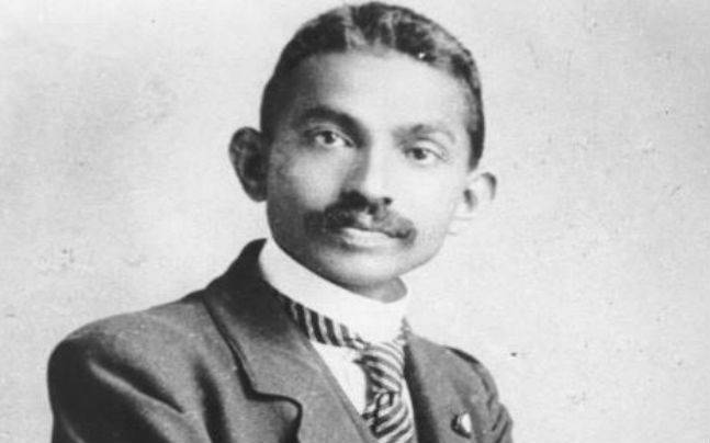 As a young lawyer, Gandhi started off dressing like an English gentleman in three-piece suits, stiff collars and ties.