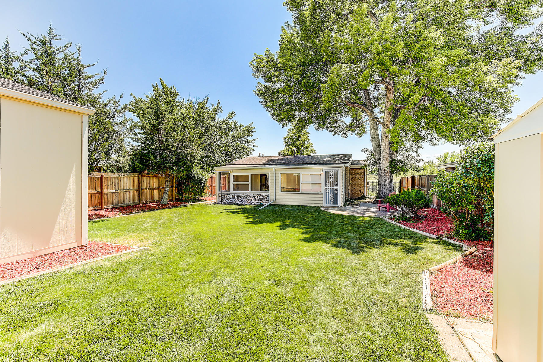 7315 Richthofen Pl Denver CO-034-39-33-MLS_Size.jpg