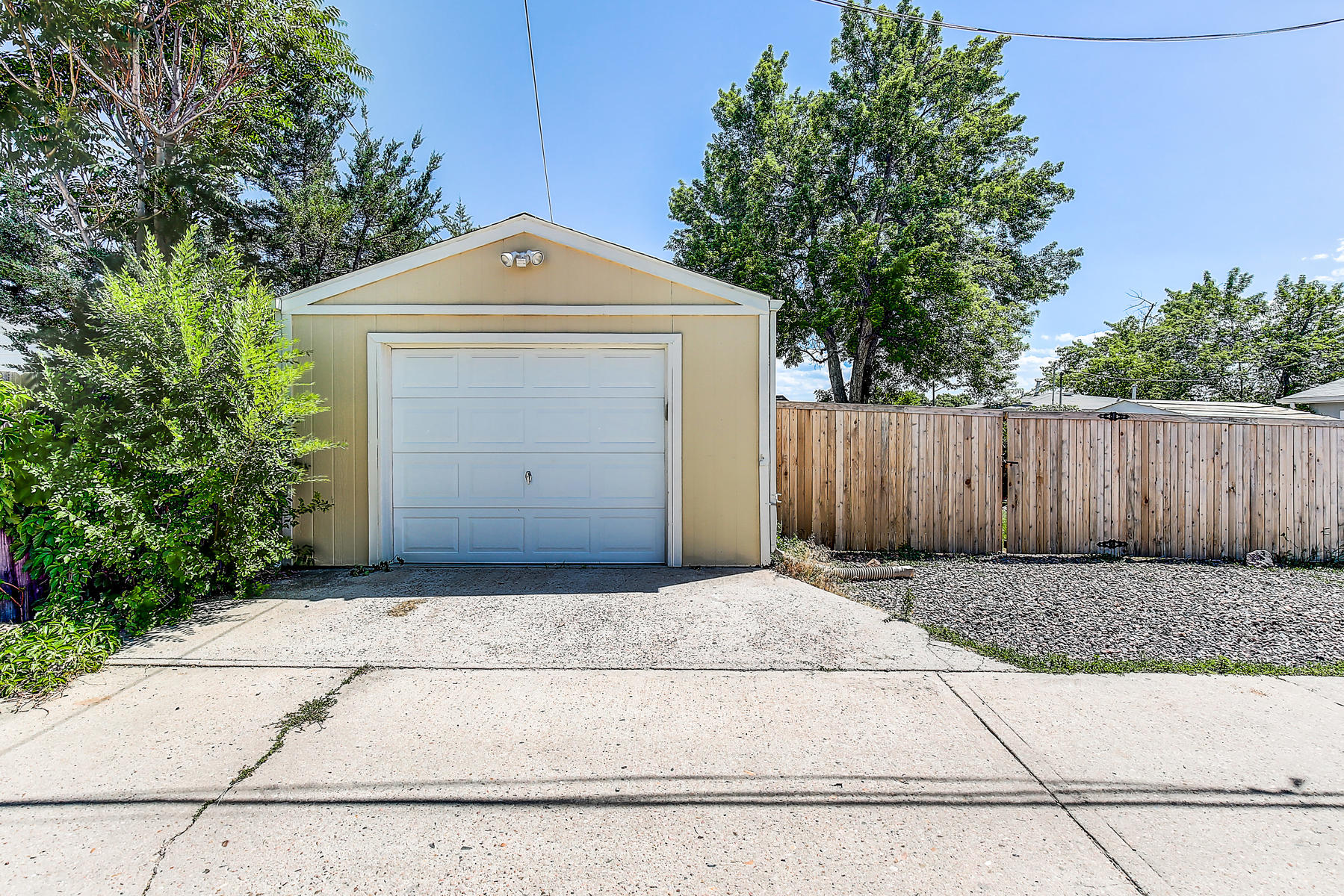 7315 Richthofen Pl Denver CO-036-36-38-MLS_Size.jpg