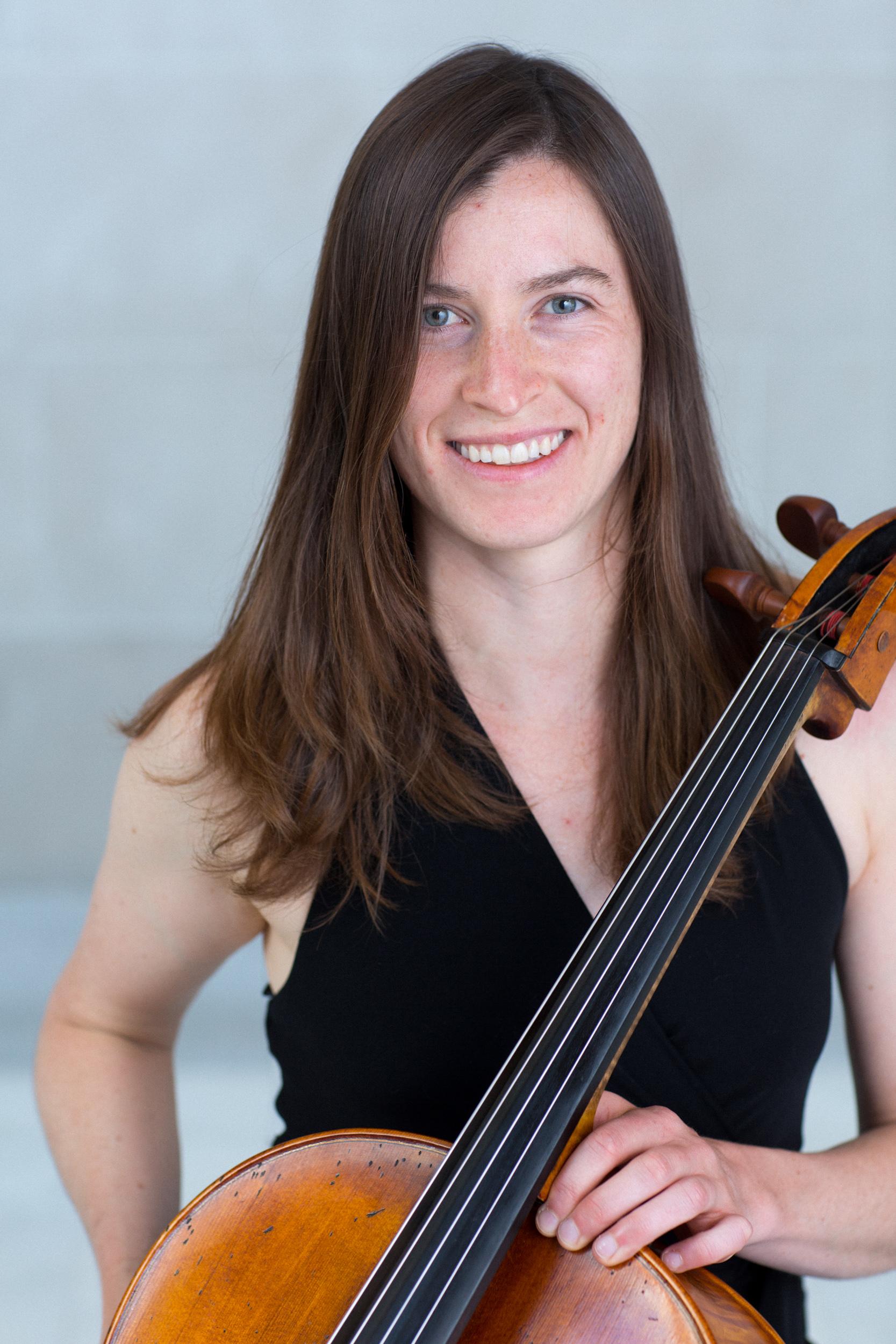 Joanne de Mars, cello