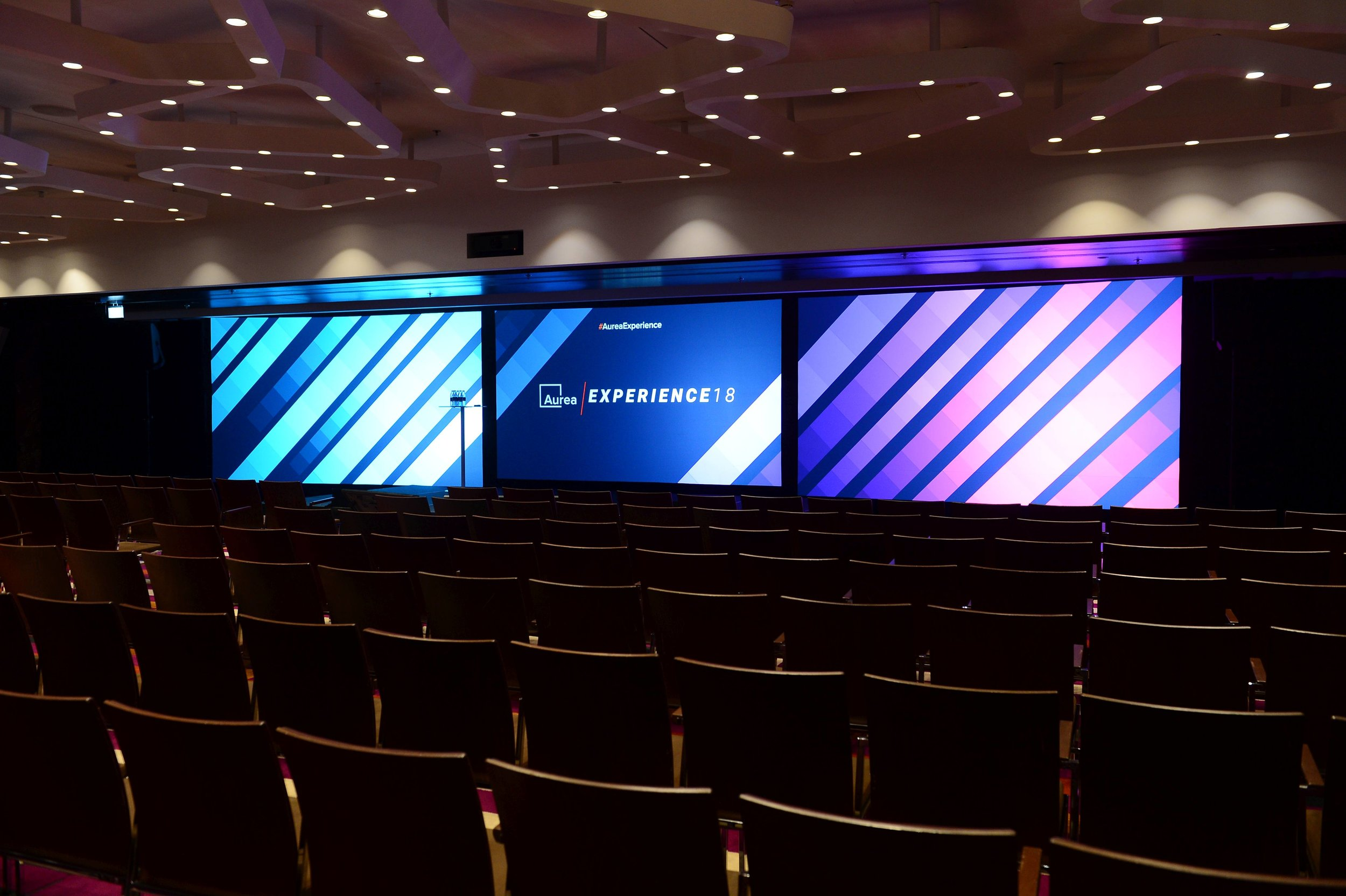 3 Projection Screens