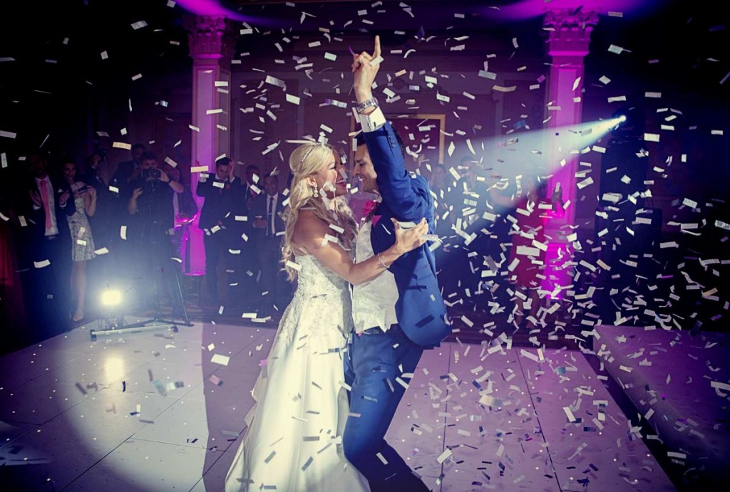 wedding_couple_first_dance_confetti_cannon_photo-1024x691.jpg