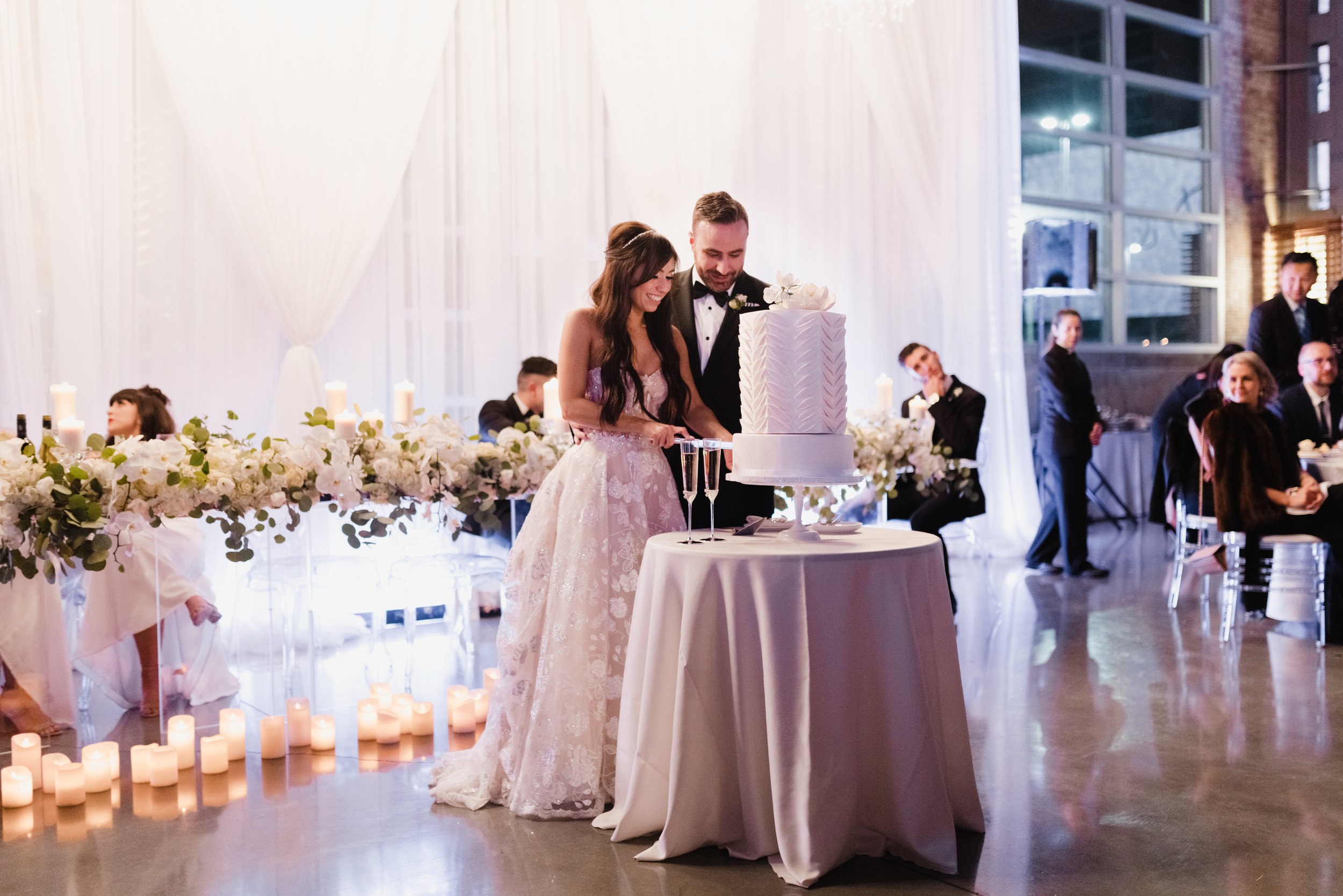 HeraStudios_Selects_Full_VanessaDave_Wedding0807.jpg
