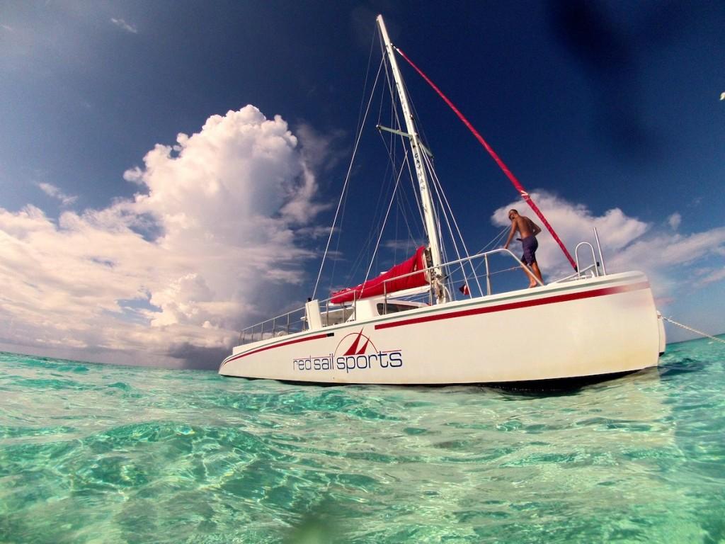 Red-Sail-boat-1024x768.jpg