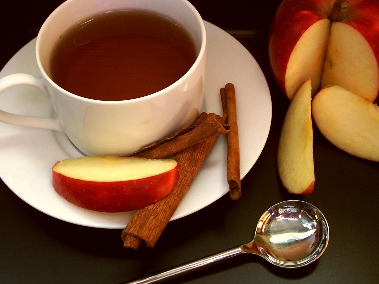 apple-cinnamon-tea-1-1238792-1280x960.jpg