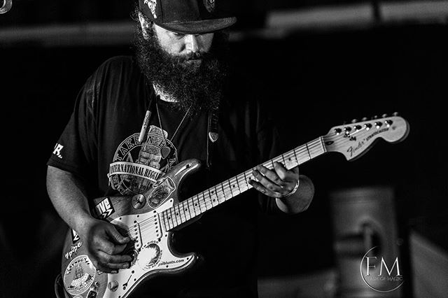 Once upon a time in Mexico! Sweet guitar tones rockin the night.  @smokeride #synrgy #rosarito #mexico #reggae #fender #stratocaster #concertphotography