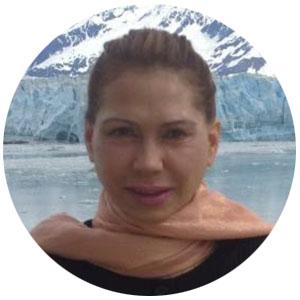 Linda Headshot_C.jpg