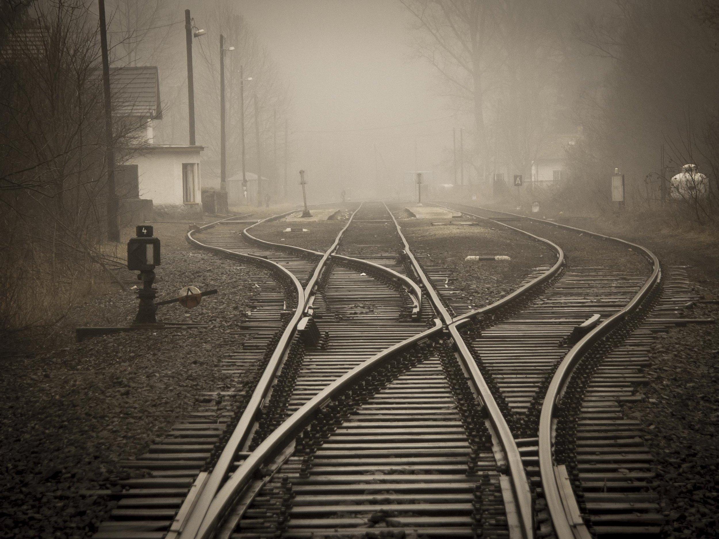 black-and-white-dark-destination-258510.jpg