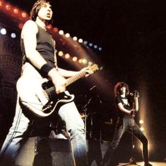 The Tung Magazine Art Music Theatre Review Interview The Ramones End Of The Century