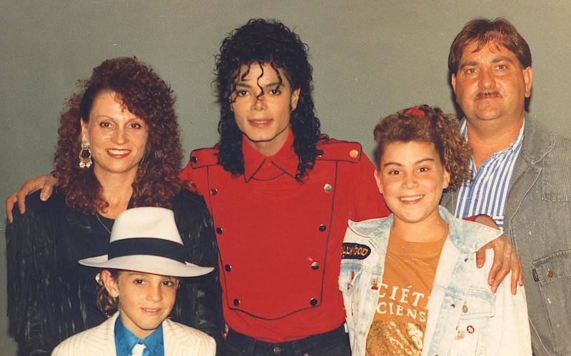 Michael Jackson with the Robson family in 1990 (Wade Robson, front left)