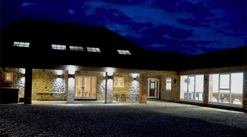 Boutipi Venue - Waggoners Barn.png