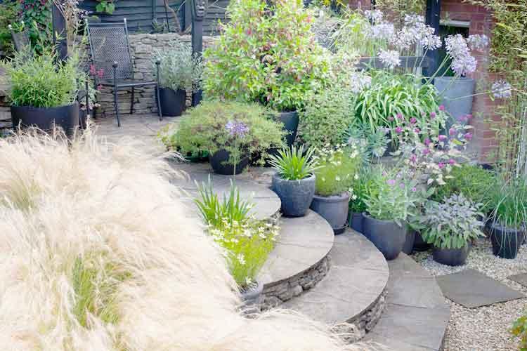 Sloping-garden.jpg