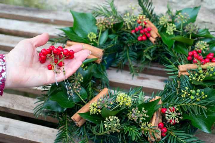 Making-a-wreath.jpg