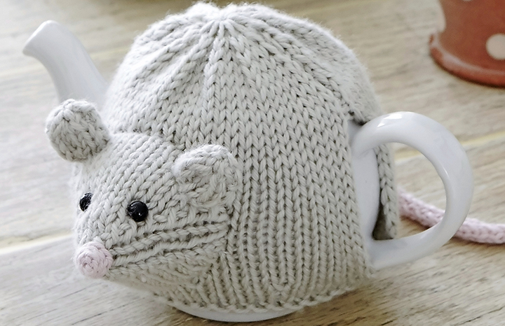 Mouse%20tea%20cosy.jpg