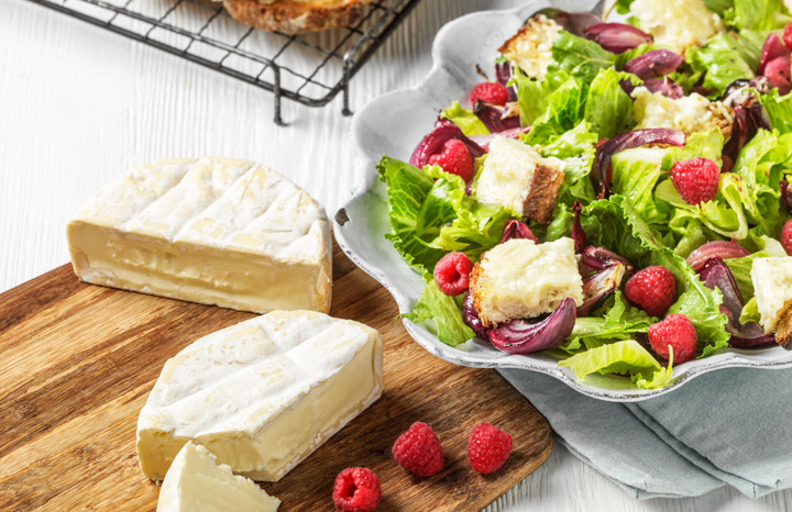 Summer-Salad-with-Raspberries-and-Creamy-White-Toast.jpg