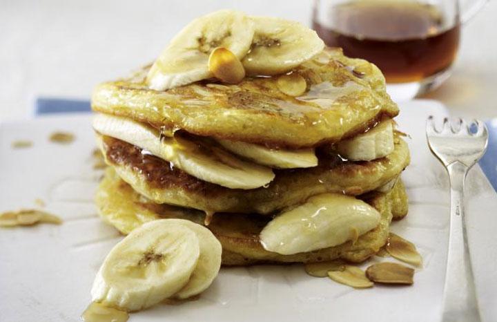 buttermilk-pancakes-bananas.jpg