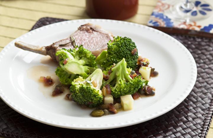 Broccoli%20with%20a%20caper,%20gherkin%20&%20parsley%20dressingweb.jpg