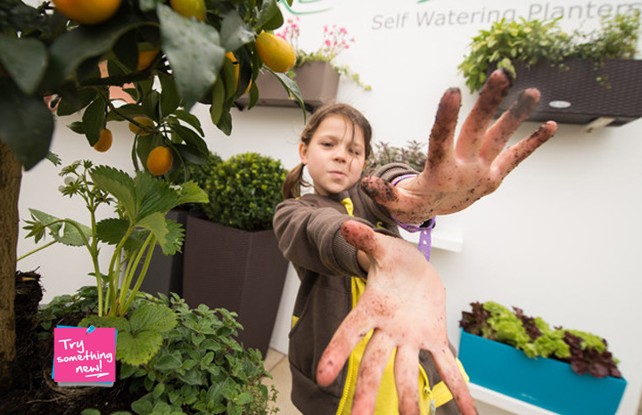 """Lechuza-shows-local-Brownies-how-to-""""grow-their-own""""-at-RHS-Chelsea-Flower-Show-2_720x405.jpg"""