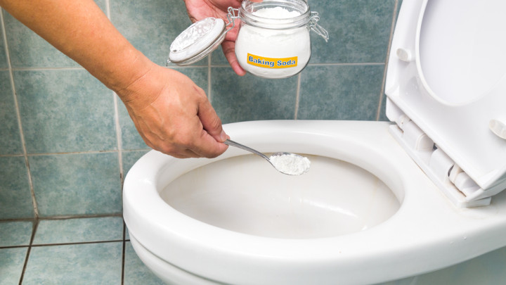 bicarbonate-soda-toliet-cleaning