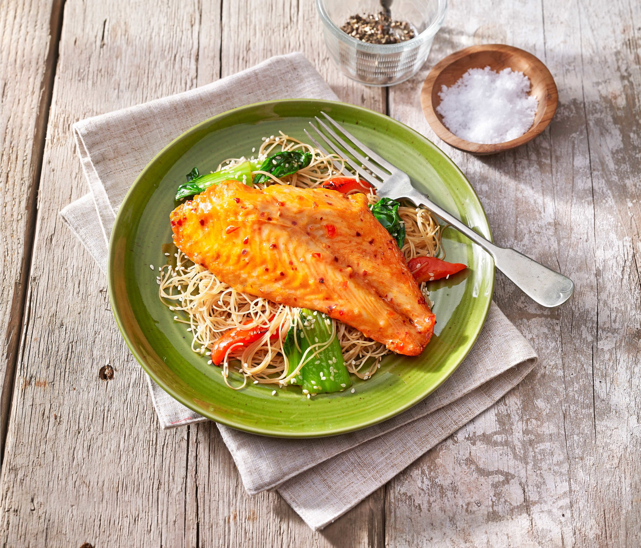 youngs-sweet-chilli-noodle-fish
