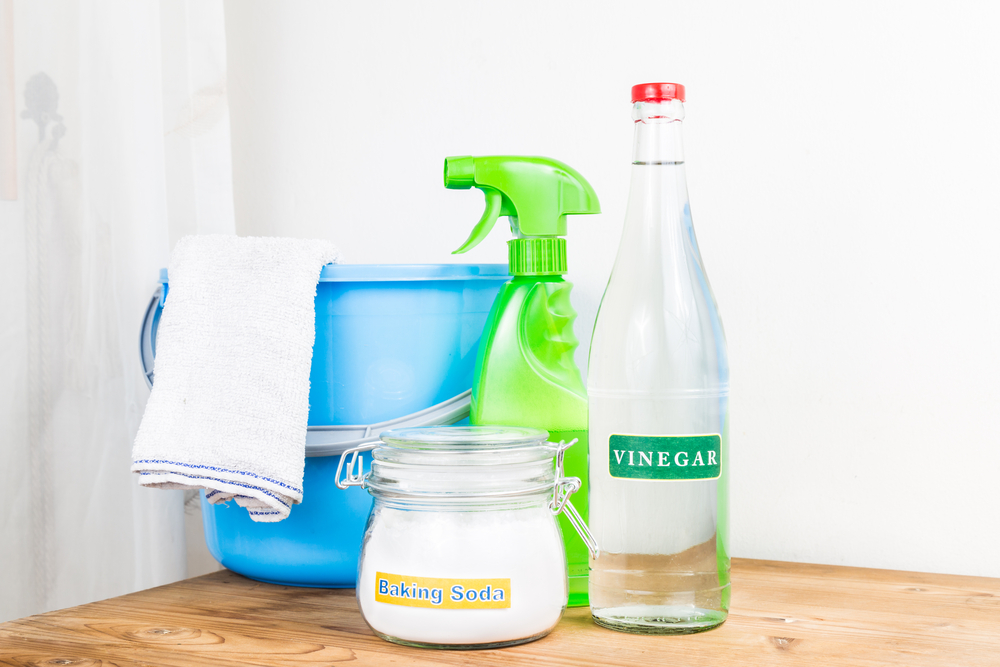 cleaning-baking-soda-vinegar.jpg
