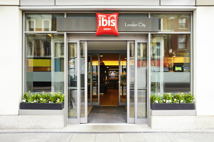 Shopping savers with an ibis Hotels stay