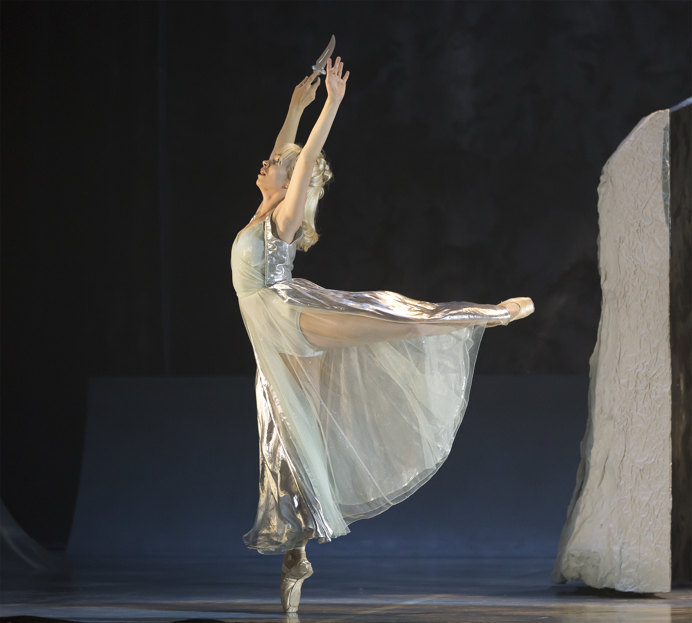 Abigail Prudames as Marilla in Northern Ballet's The Little Mermaid. Photo Emma Kauldhar.jpg