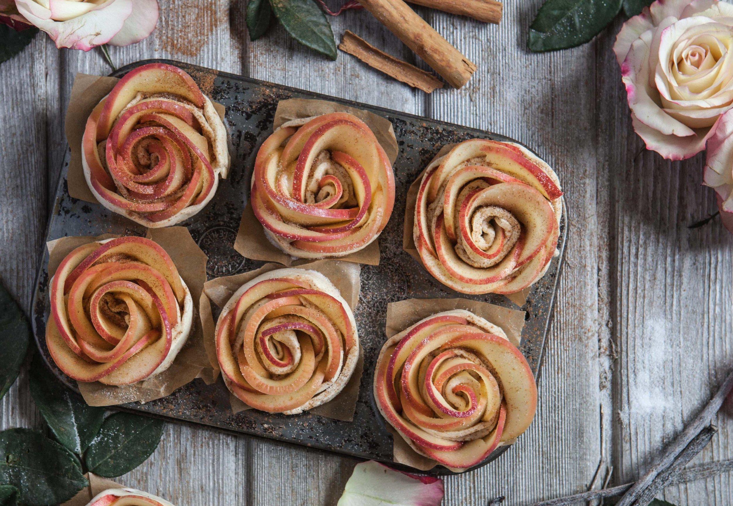 Pink-Lady-apple-roses---2mb.jpg