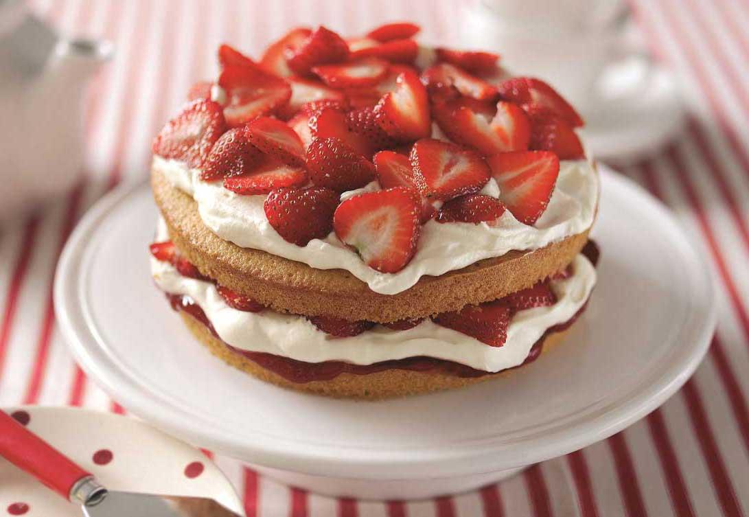 Strawberry-Cream-Cake-2.jpg