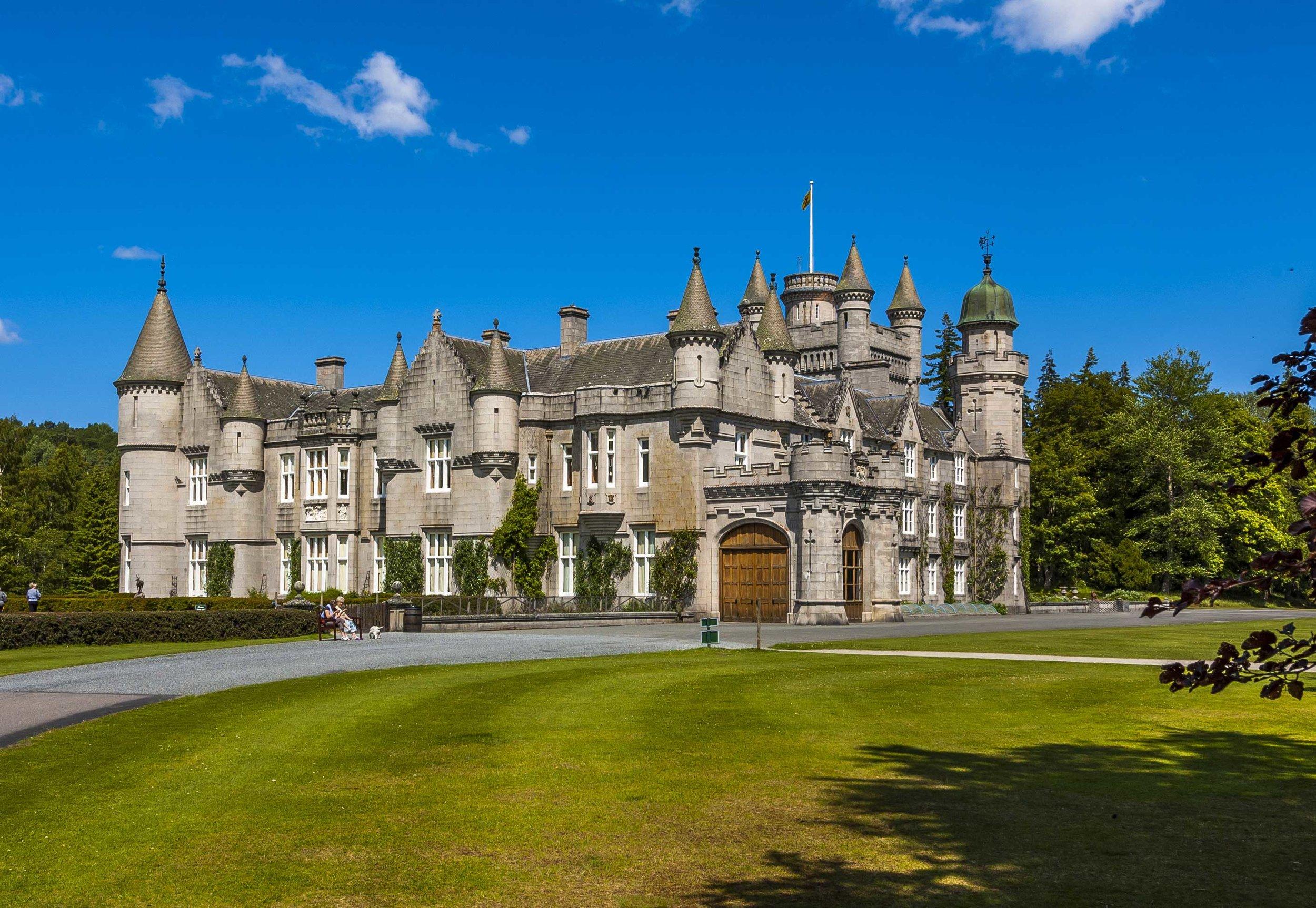 Balmoral-castle.jpg