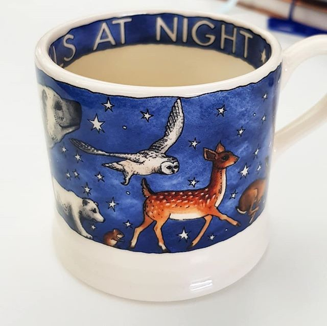 We recieved a surprise sample from @emma_bridgewater 's Christmas collection this week. We're in love with the design! The perfect excuse to put the kettle on...